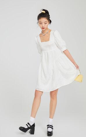 復古燈籠袖方領洋裝