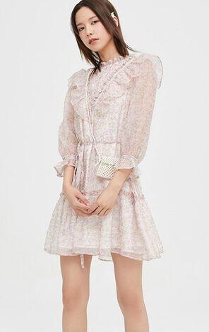 甜美清新荷葉花邊洋裝