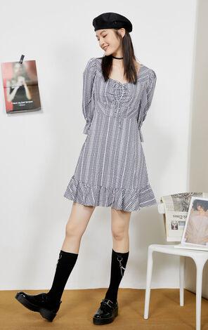 格紋傘袖收腰顯瘦短版洋裝